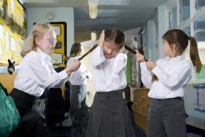 Проблемы детской жестокости и буллинга (травли в школе) и анализ способов профилактики буллинга у подростков с точки зрения телефонного консультирования